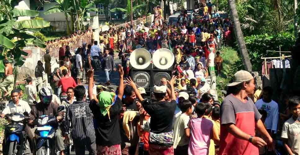 Pertentangan Sosial Dan Integrasi Masyarakat Fajar Kukuh
